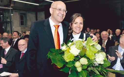 Strahlende Gesichter nach der Amtseinsetzung gestern Abend in der Stettener Glockenkelter: Gisela und Stefan Altenberger. Foto: ZVW